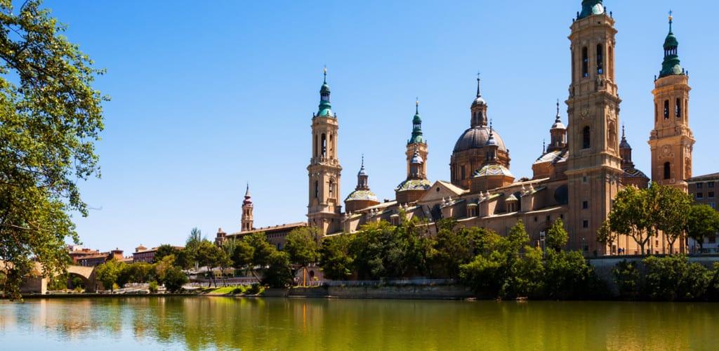 Pasa el puente de diciembre en Zaragoza con Eizasa Hoteles